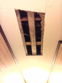 屋根裏から漏水